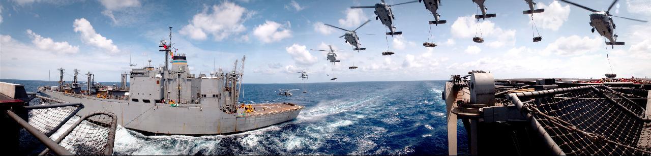 USN_Photo_MH-60S_USNS_Mount_Baker_(T-AE_34)_040501-N-9851B-003.jpg